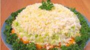 Бесподобный слоеный салат с курицей и шампиньонами