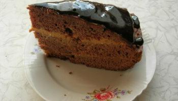 Шоколадный торт с кремом из сгущенки и сливочного масла, рецепт с фото
