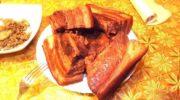 Сегодня хочу поделиться с вами очередной находкой: мы узнаем, как готовить сало в луковой шелухе.