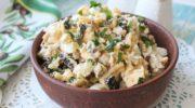 Салат с курицей, черносливом и грецкими орехами
