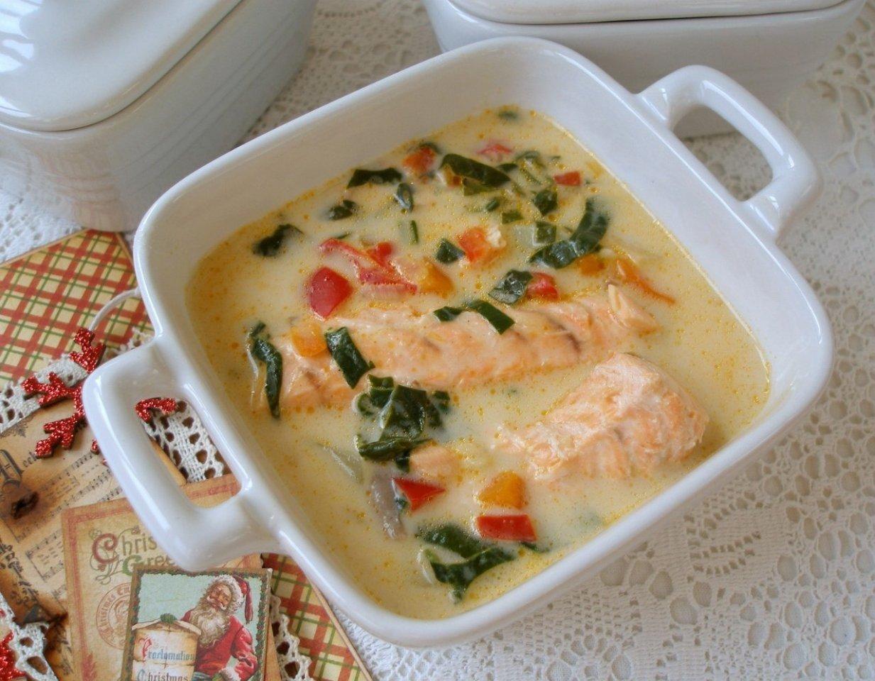 Наивкуснейший сырный суп с лососем никого не оставит равнодушным!
