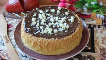 Бисквит с шоколадной глазурью
