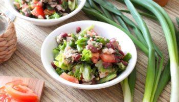 Салат с фасолью и консервированной горбушей