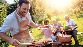 Гриль, шашлык, барбекю: 3 важных правила для организации еды на природе