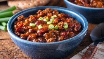 Чили кон карне: простой рецепт семейного обеда по-мексикански