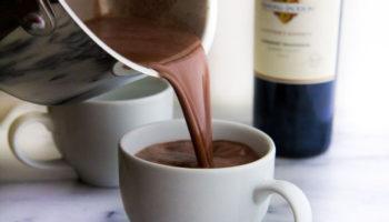 Какао с красным вином