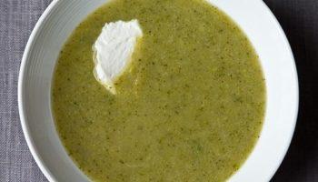 Суп-пюре из брокколи и яблок