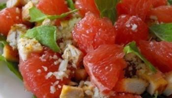 Диетический салат с грейпфрутом и курицей