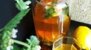 Холодный зеленый чай с лимоном и мелиссой