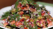 Острый салат с баклажанами