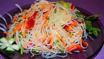 Салат «Фунчоза с овощами»