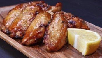 Куриные крылышки, запеченные в соево-горчичном соусе