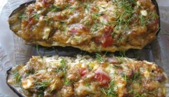 Фаршированные баклажаны сыром и помидорами