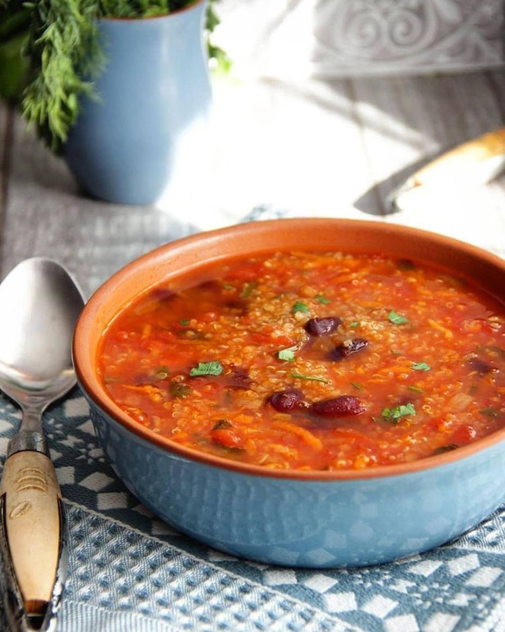 Сытный томатно-фасолевый суп