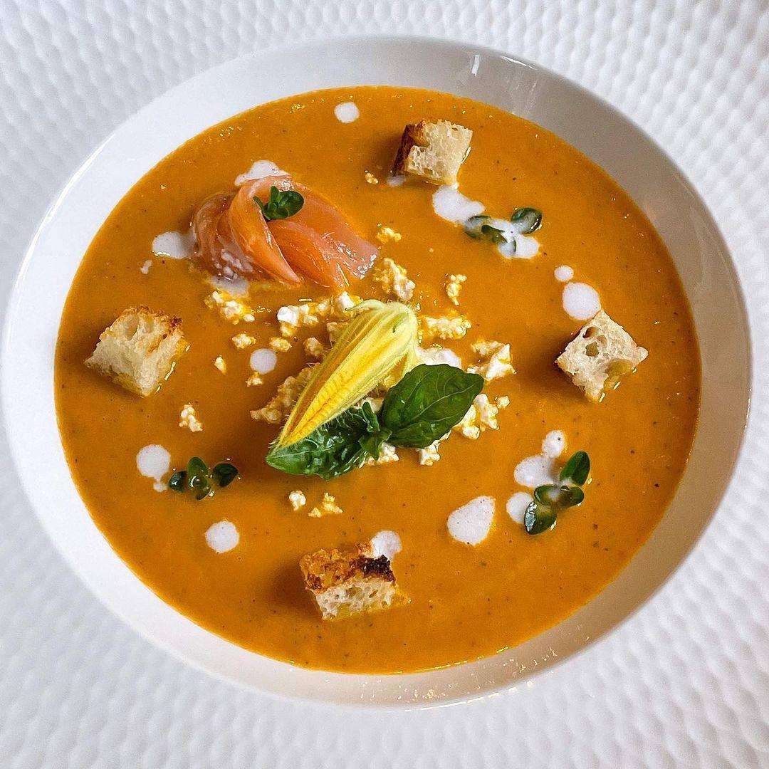 Крем-суп из кабачка с кокосовыми сливками