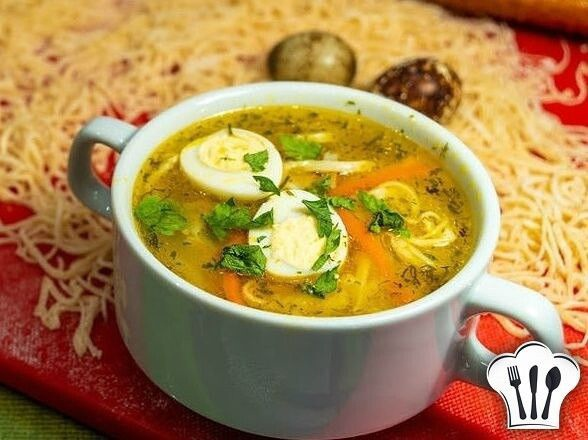 Кypиный суп с лапшой по-домашнему