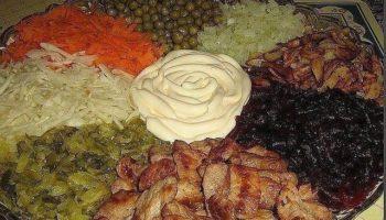 «Осиное гнездо» — очень вкусный салат!