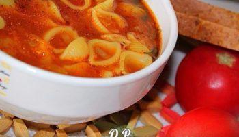 Острый томатный суп с макаронами