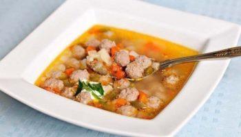 Деткам! Гречневый суп с фрикадельками